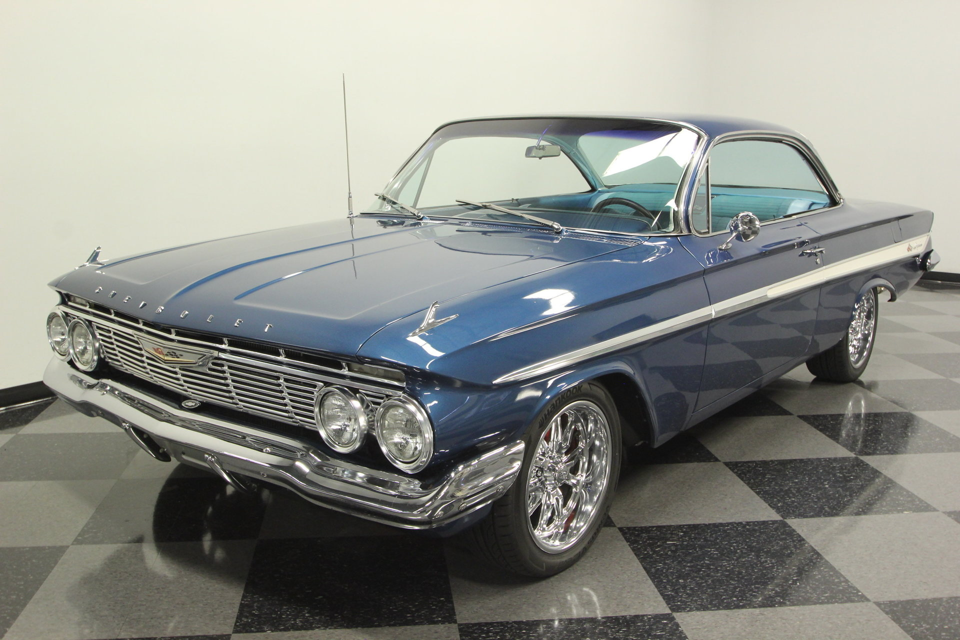 1961 Chevrolet Impala Streetside Classics The Nations Trusted Bubble Top View 360