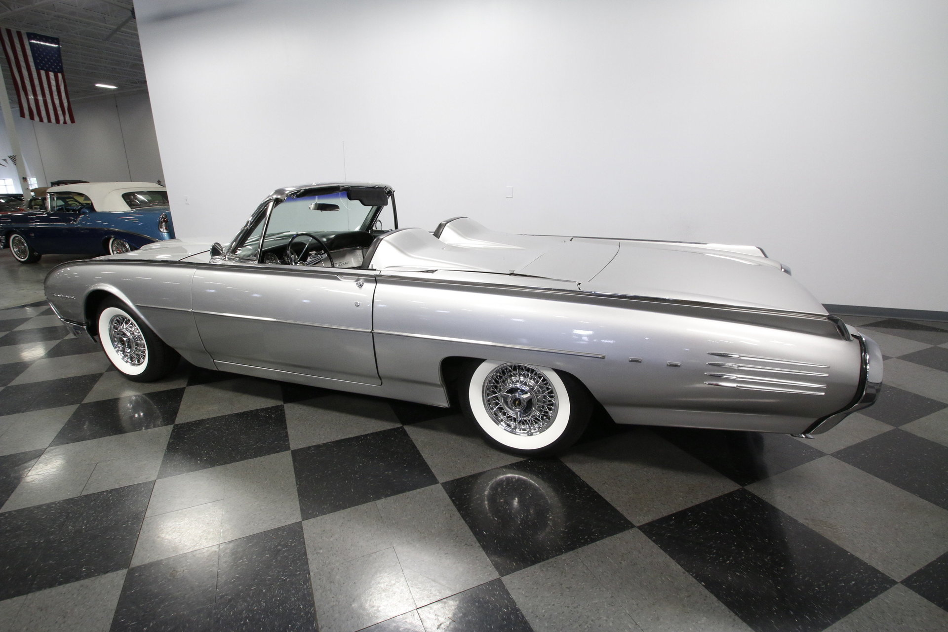 1961 Ford Thunderbird | Streetside Classics - The Nation\'s Trusted ...