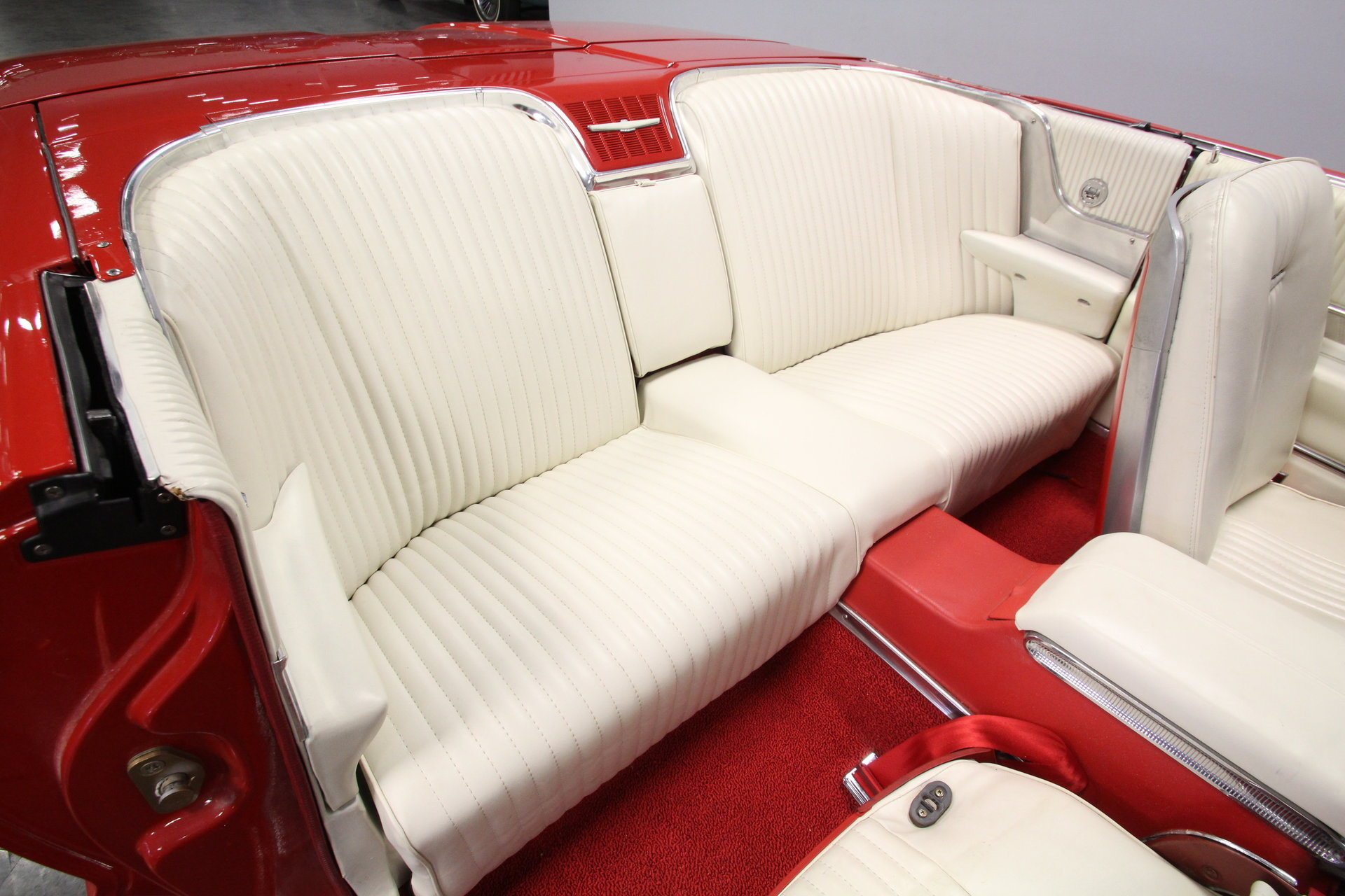 1964 Ford Thunderbird Streetside Classics The Nations Trusted Dash Pad Show More Photos