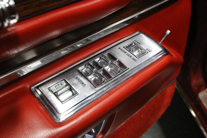 1976 Cadillac DeVille 32