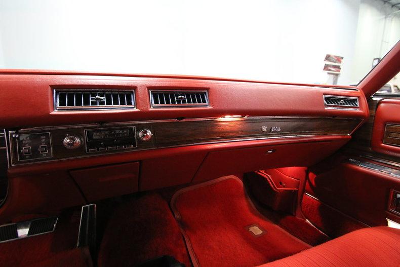 1976 Cadillac DeVille 38