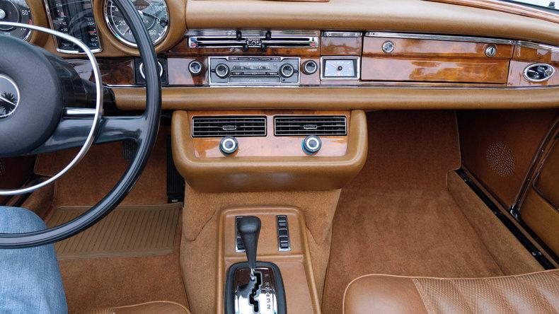 1970 Mercedes-Benz 280SE 3.5 Convertible