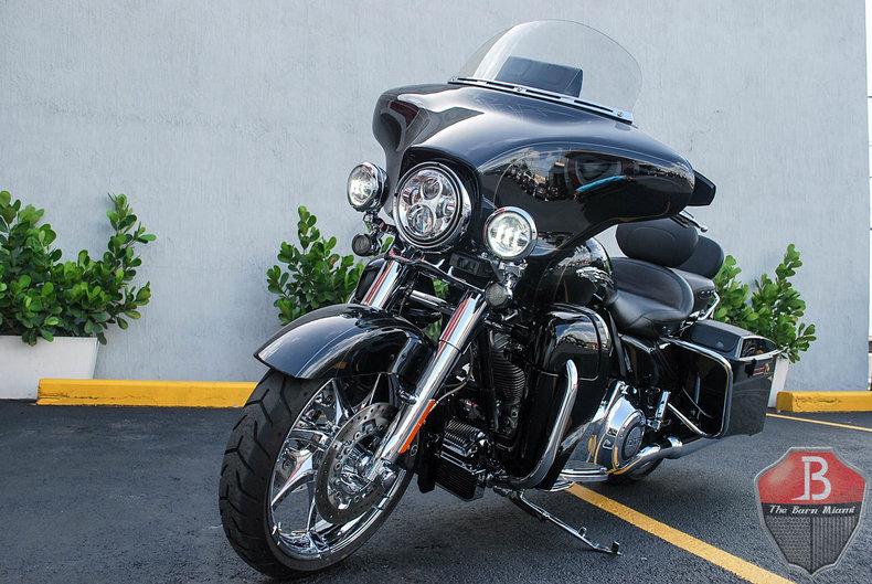 2012 Harley-Davidson CVO Street Glide | The Barn Miami
