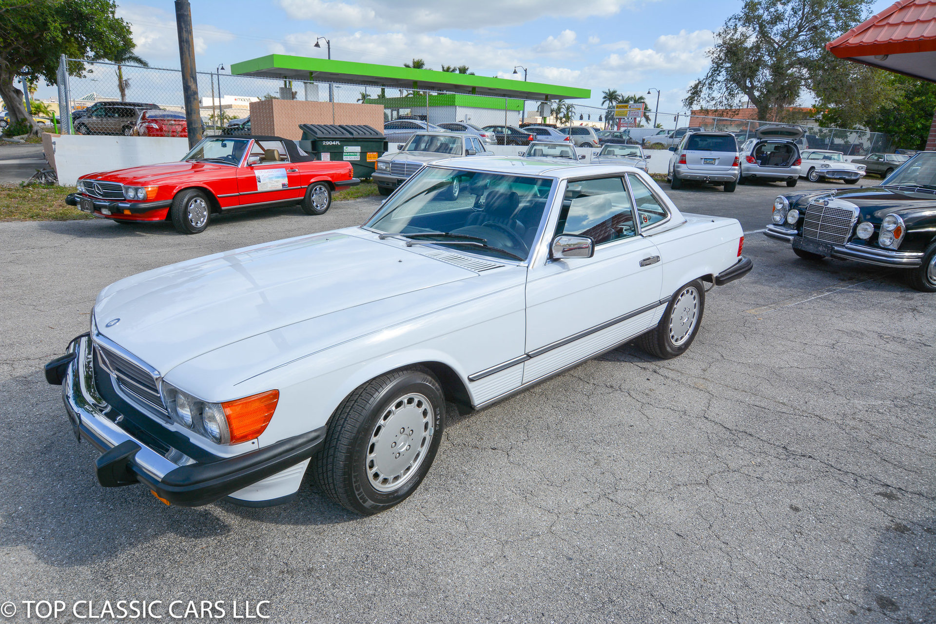 1987 mercedes benz 560 sl top classic cars for Top mercedes benz dealerships