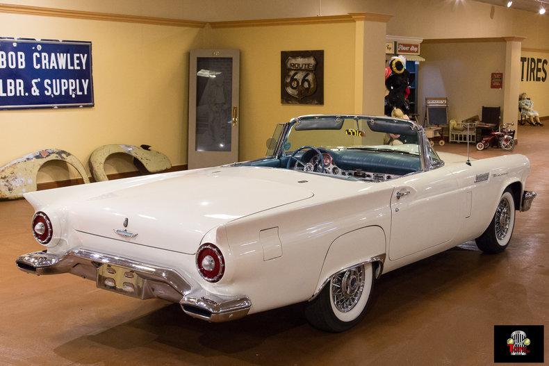 1957 Ford Thunderbird