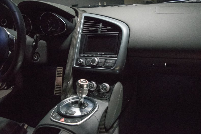 2010 Audi R8 V10