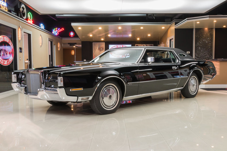 1972 Lincoln Continental | Vanguard Motor Sales