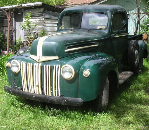 Small Ford Truck: 1947 Ford Pickup