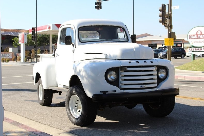 Ford Pickup   Foot Bed Truck Rentals