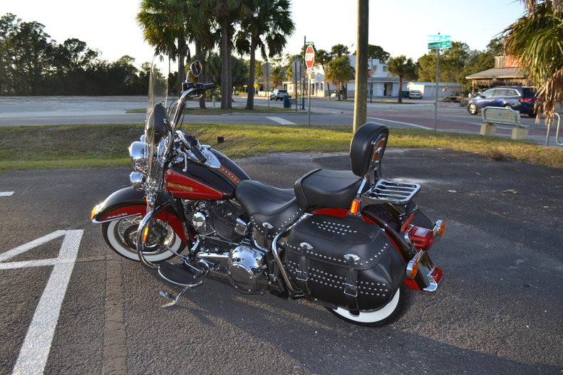 1145685e8b67 low res 2010 harley davidson heritage softail special