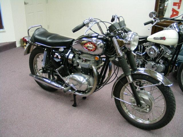 1968 RESTORED BSA Lightning