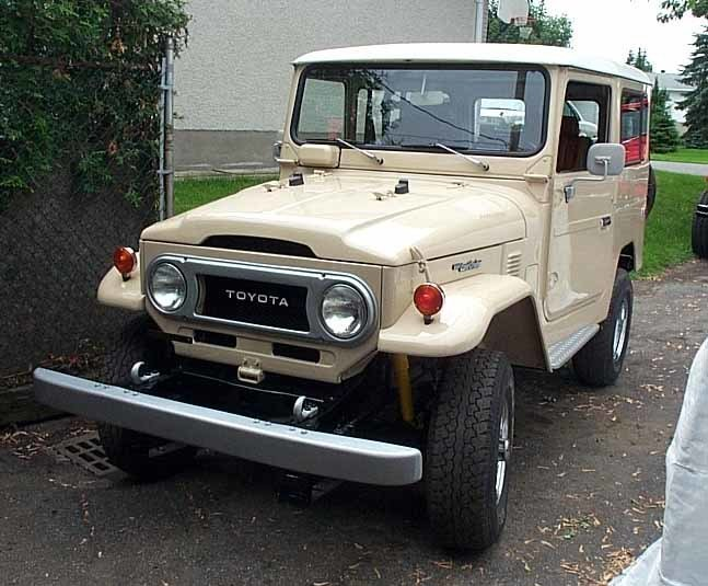 1977 TOTALLY RESTORED TOYOTA FJ40 LAND CRUISER