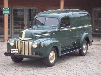 1947 Ford Model 82