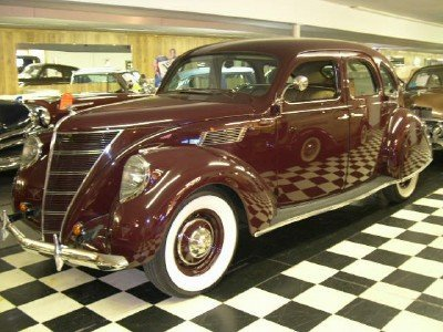 1937 Lincoln Zepher V 12