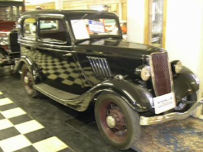 1934 Ford 2 Dr (English Export)