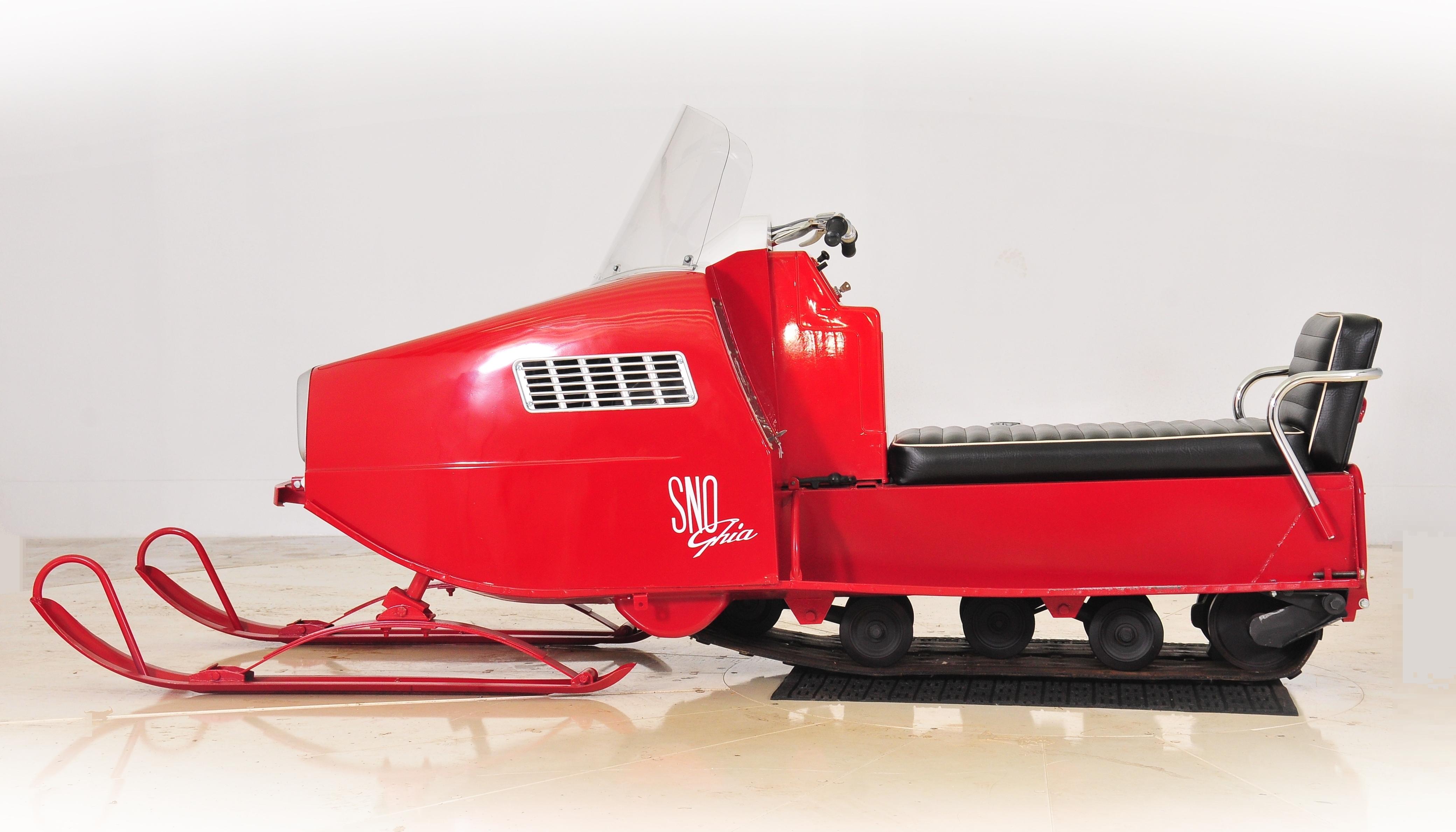 204726 snowmobile 184x