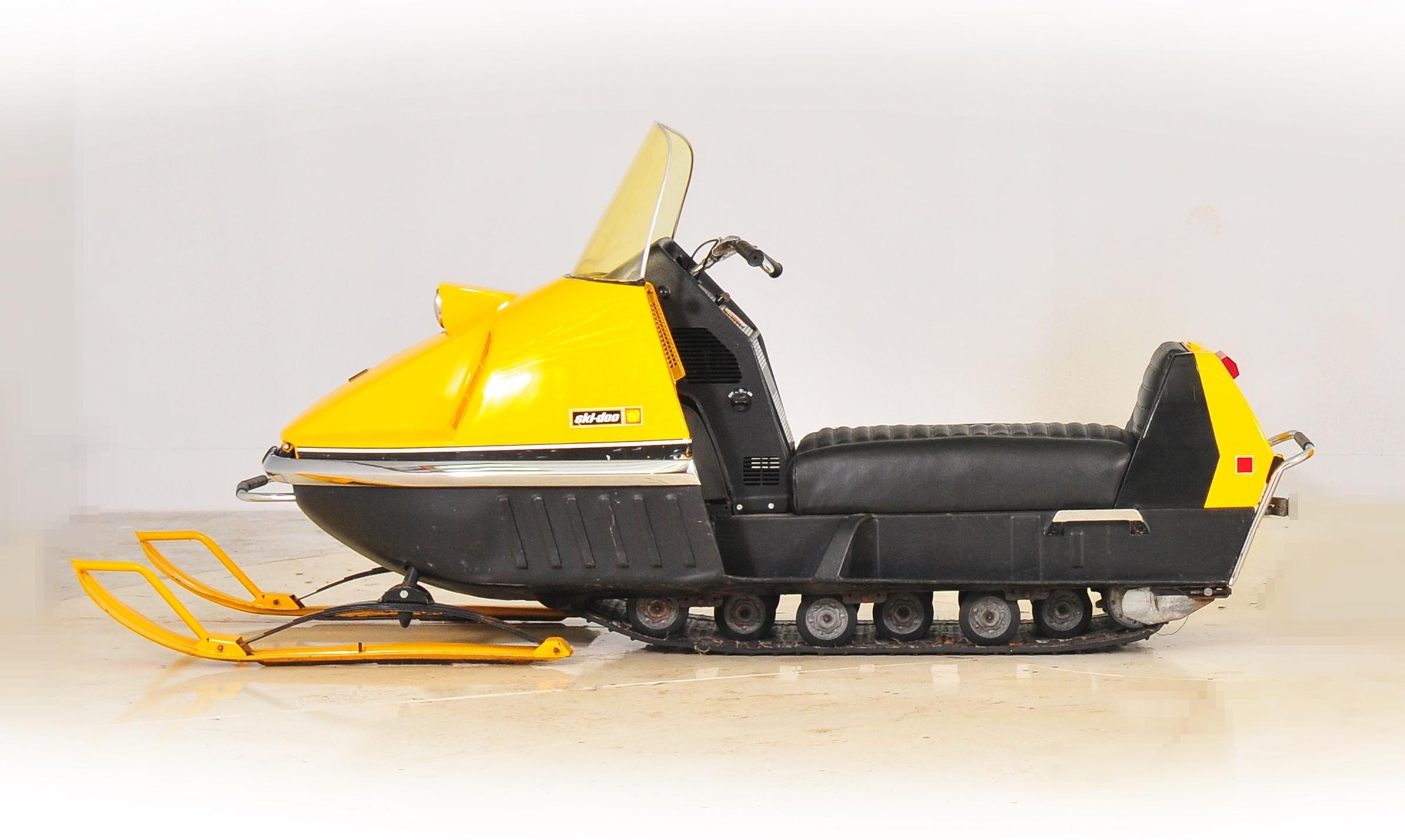 204730 snowmobile 369x2