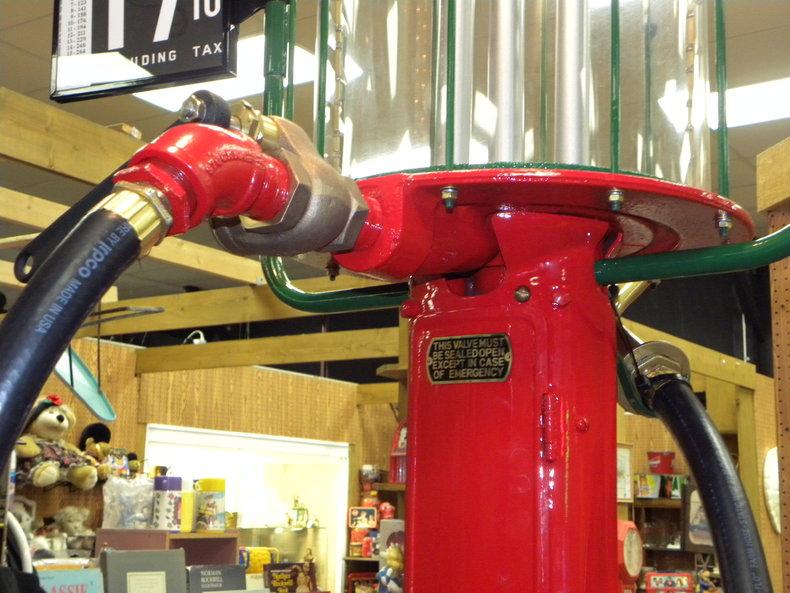 1931 Visible Gas Pumps Fry Model 117