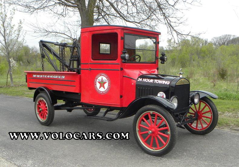 1925 Ford Model TT | Volo Auto Museum