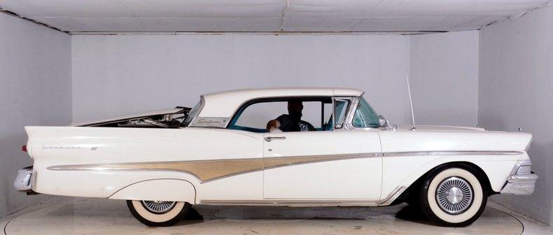 1958 Ford Sunliner