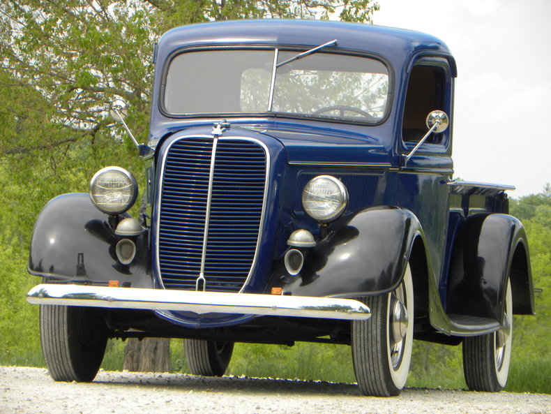 1937 Ford Model 73/77