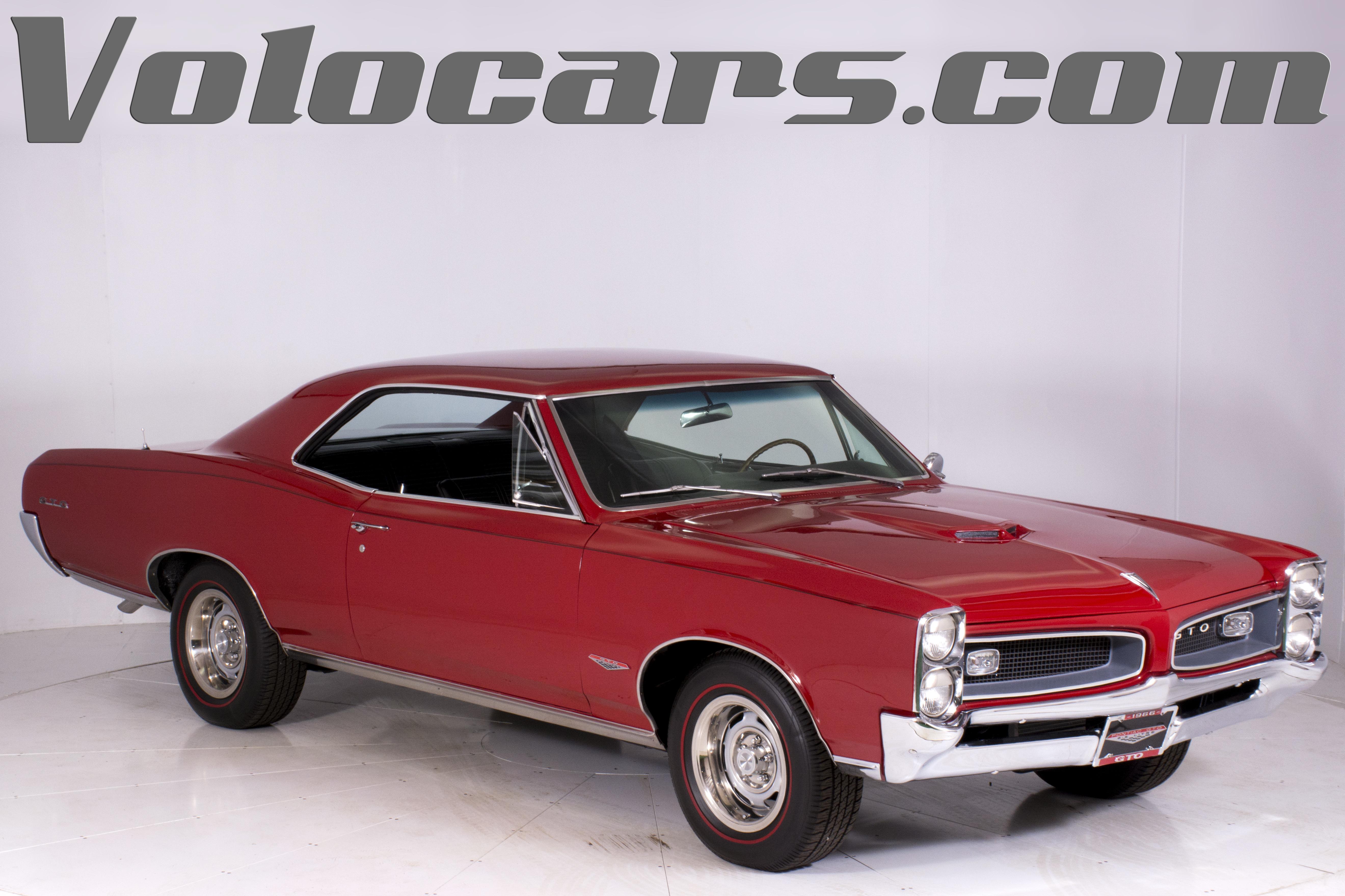 1966 Pontiac GTO | Volo Auto Museum
