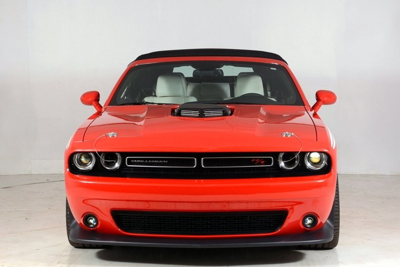2015 dodge challenger volo auto museum. Black Bedroom Furniture Sets. Home Design Ideas
