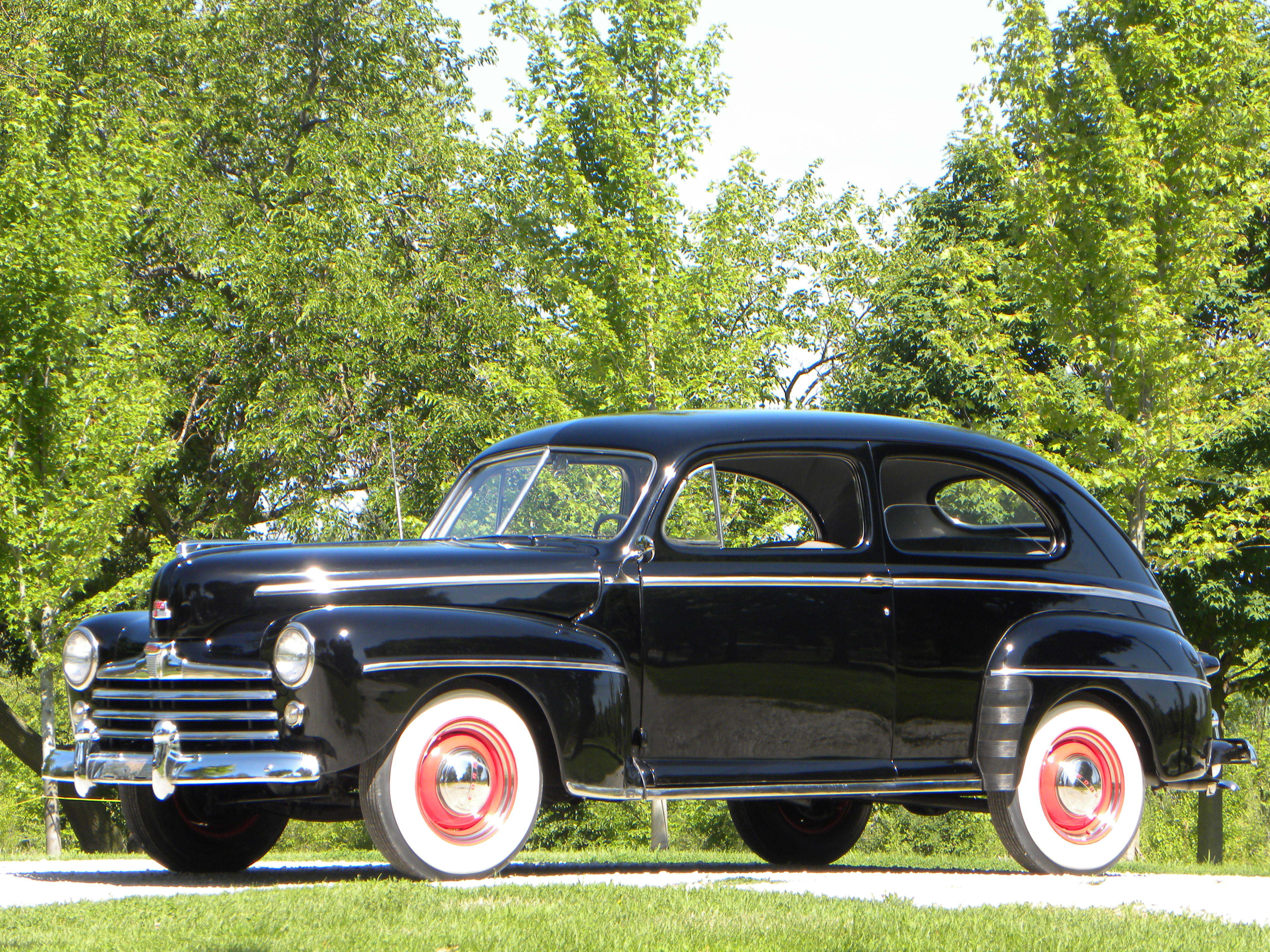 1948 ford super deluxe volo auto museum for 1948 ford 2 door coupe