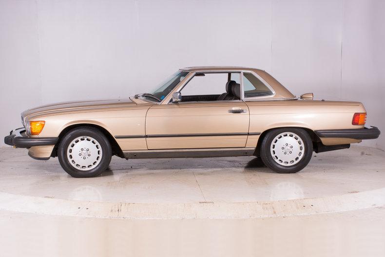 1986 mercedes benz 560sl volo auto museum for Mercedes benz 560sl