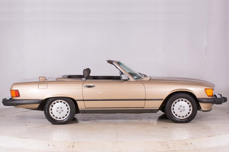 1986 Mercedes Benz 560sl Volo Auto Museum