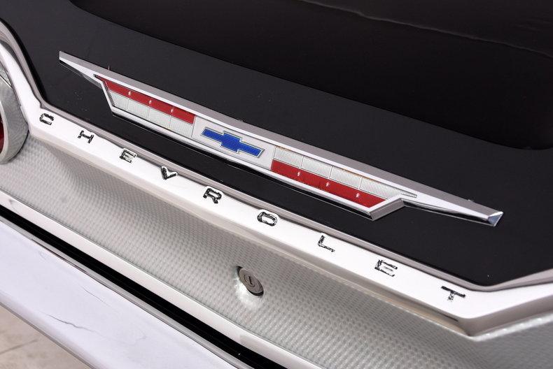 1963 Chevrolet Impala Volo Auto Museum
