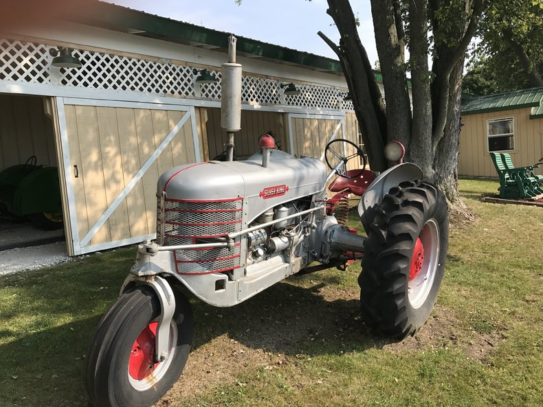 1951 Silver King model 42, 3 Wheeled Tractor