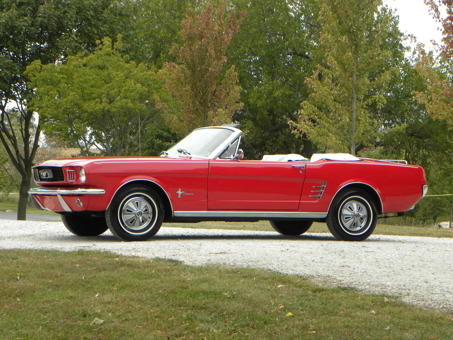 1966 ford mustang convertible for sale 67575 mcg. Black Bedroom Furniture Sets. Home Design Ideas