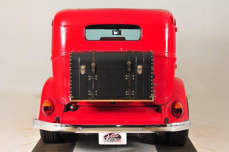 1934 Plymouth Sedan