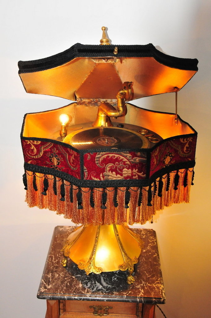 1920s Electric  Phonograph Lamp