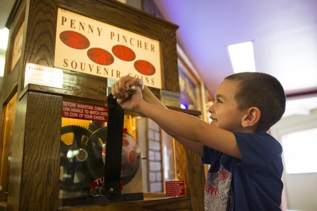 penny pincher vintage arcade volo